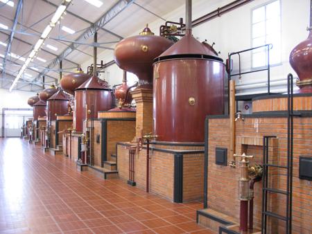 Hennessy distillery la peu2s