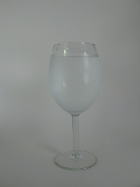 Non-alcoholic-drink-in-wine-glass