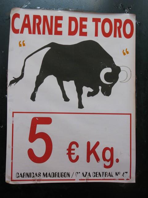 Jerez market bull meat_tn