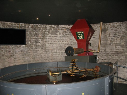 Old jameson distillery mash tun_tn