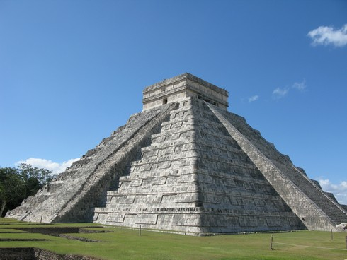 Chichen itza pyramid30_tn