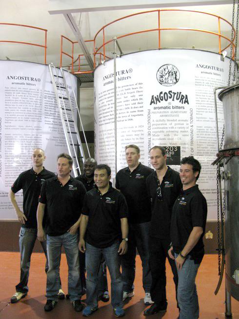 Bartender group Angostura5_tn