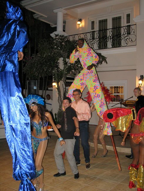 Under stilts Party at Wayne CEO Angosturas House_tn