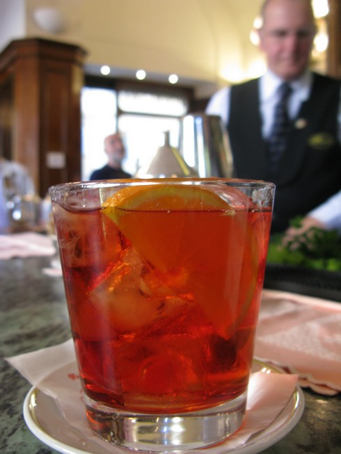 Negroni at Rivoire Florence Italy_tn
