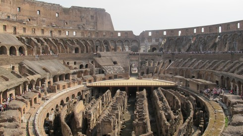 Colliseum12_tn