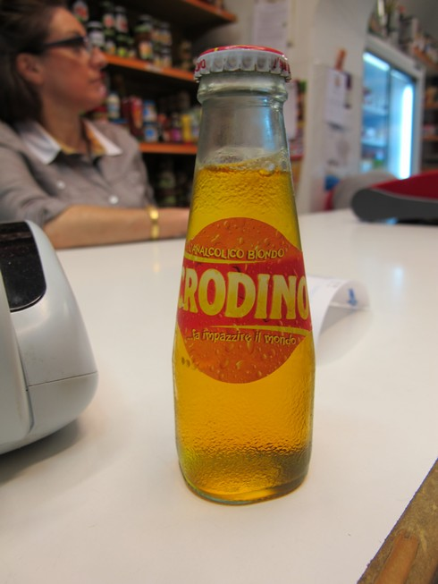 Crodino bitter like non alcoholic campari soda_tn