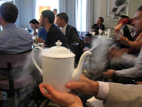 Steaming kettle garnish talk by alex kratena_tn