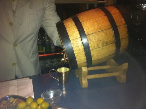 Barrel aged hanky panky american bar in savoy hotel_tn