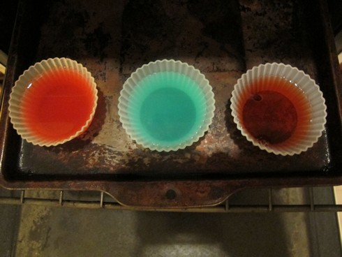 Three fruit liqueurs in oven_tn