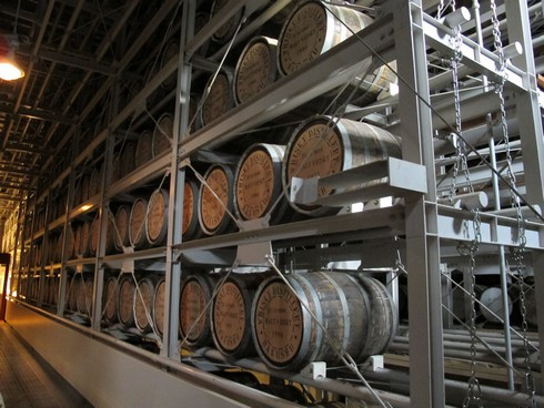 Hakushu Distillery warehouse_tn