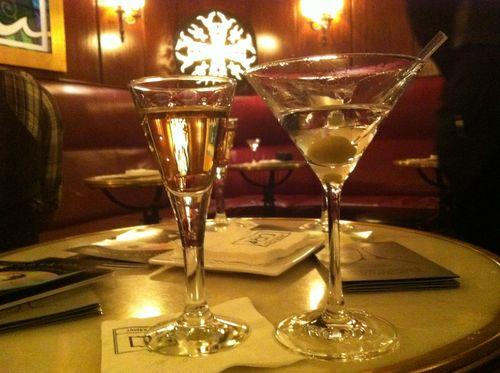 Dry martini bar barcelona drinks