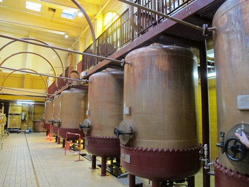 Cointreau distillery stills3_tn