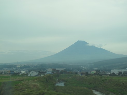 Mount fuji from train_tn