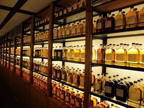 Yamazaki Distillery Kyoto whisky library_tn