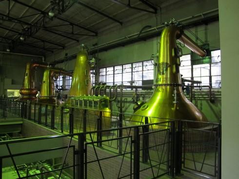 Yamazaki Distillery Kyoto stills4_tn