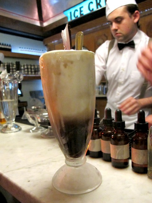 Ice cream bar root beer float_tn