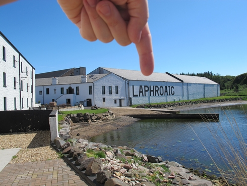 Pointing Laphroaig Distillery Islay Scotland_tn