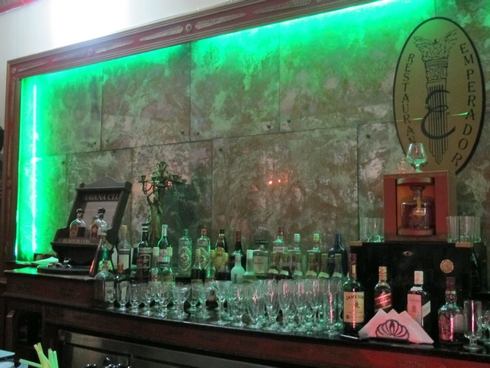 Restaurante emperador havana cuba bar_tn