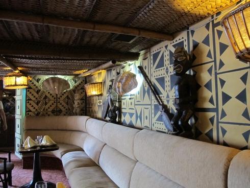 Polinesio Tiki Bar Havana Former Trader Vics plush benches_tn