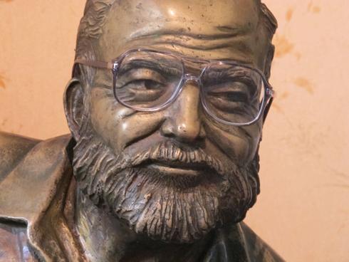Hemingway with Campers Glasses at El Flordita Havana Cuba_tn