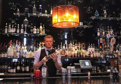 Chez papa bartender