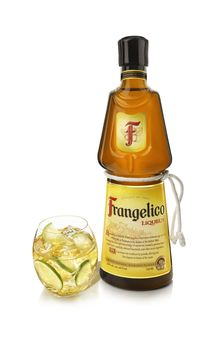 Frangelico_US_BOTTLE_GLASS