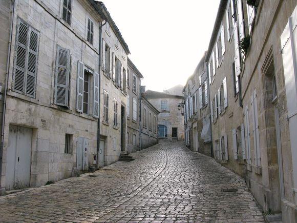 Cognac street2
